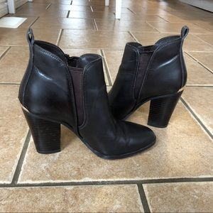 Michael Kors Lottie Leather Ankle Boot in Brown 36
